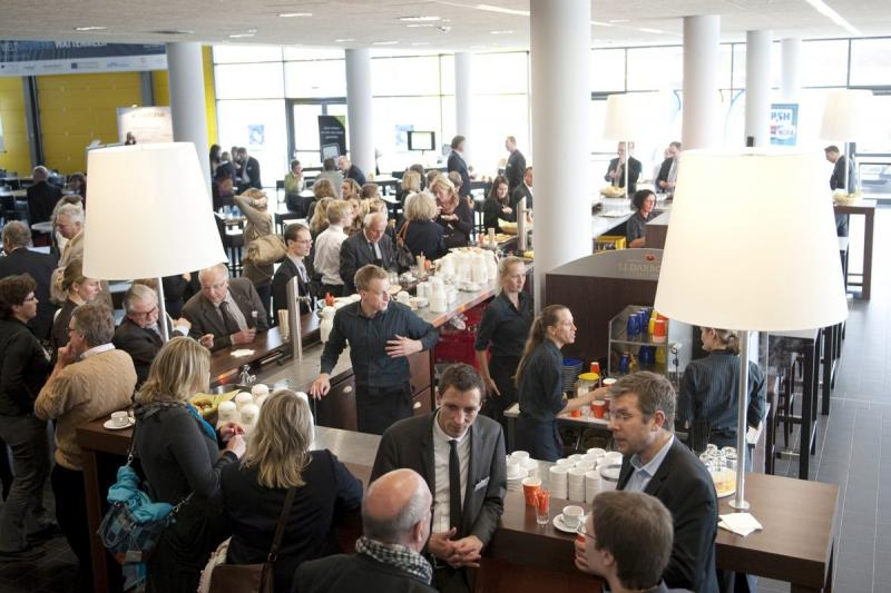 Empfang in der Lounge des Kongresszentrums | © Messe Husum & Congress